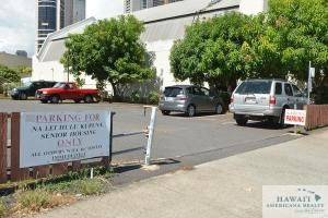This vacant lot at 630 Cooke St. in the Honolulu neighborhood of Kakaako could be developed into affordable housing.